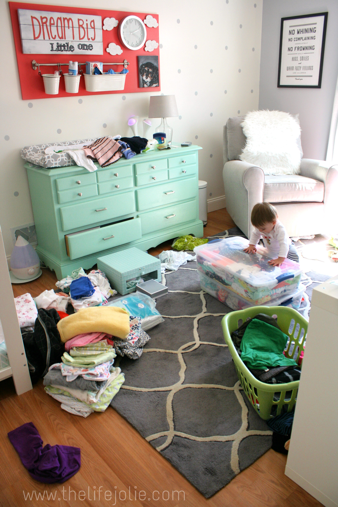 944074bd6 6 tips for organizing old baby clothes with a free printable