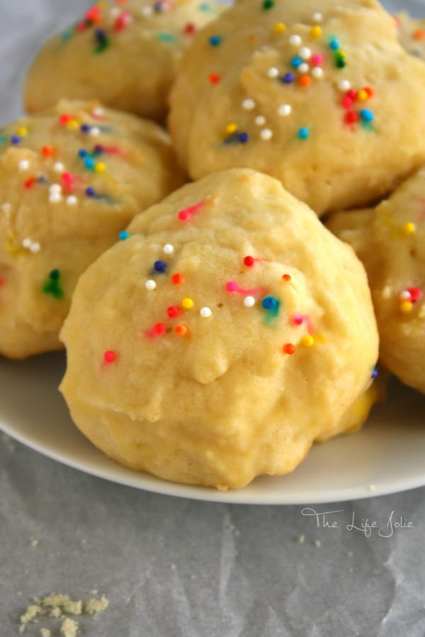 This Sour Cream Cookies recipe is one of my favorites! It's not overly sweet and has a delicious cake-like texture. I love baking these, not only at Christmas and the holidays but all year around. Make these treats for your family and friends right away- they will definitely become one of your favorite desserts!