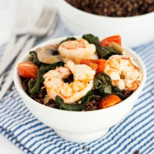 This healthy Shrimp and Quinoa Bowls recipe is delicious and very easy to make. It's full of delicious flavors and textures and makes a great lunch or dinner. Click on the photo to get the recipe!