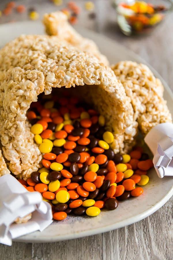 Rice Krispie Treats Turkey - a fun Thanksgiving dessert
