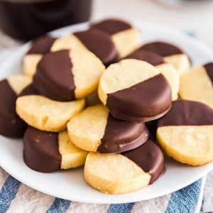 A square image of a place of almond Shortbread Cookies.
