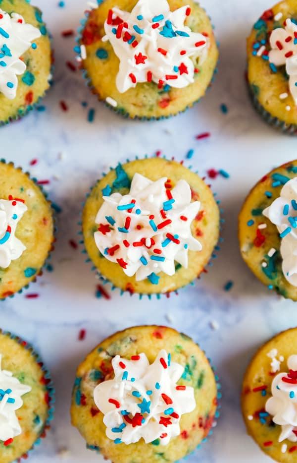 Firecracker vanilla cupcakes an easy and fun dessert for kids - Jolie cupcake ...