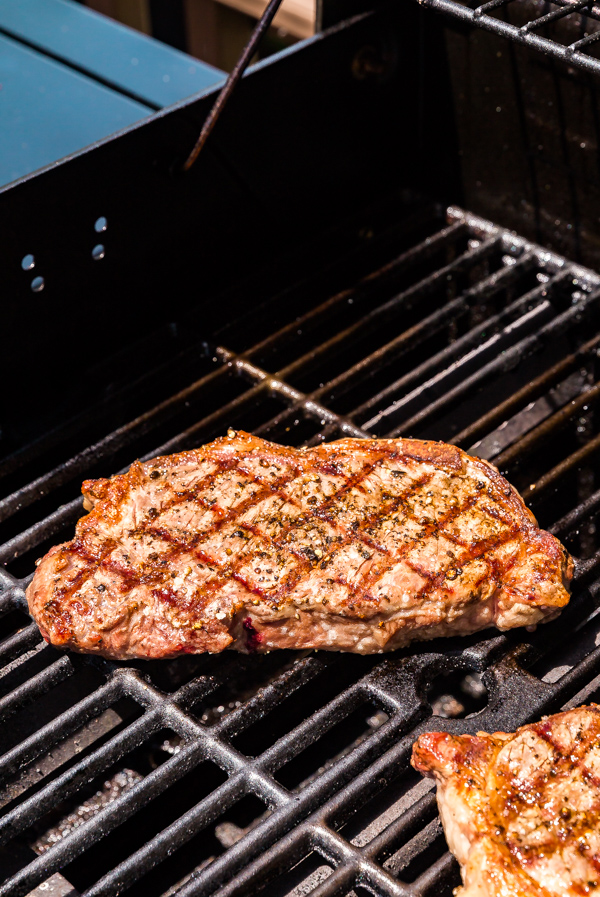 How to get grill marks on a steak