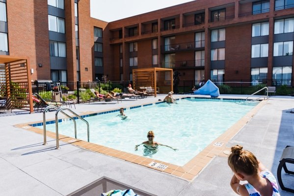 DoubleTree by Hilton Syracuse outdoor pool