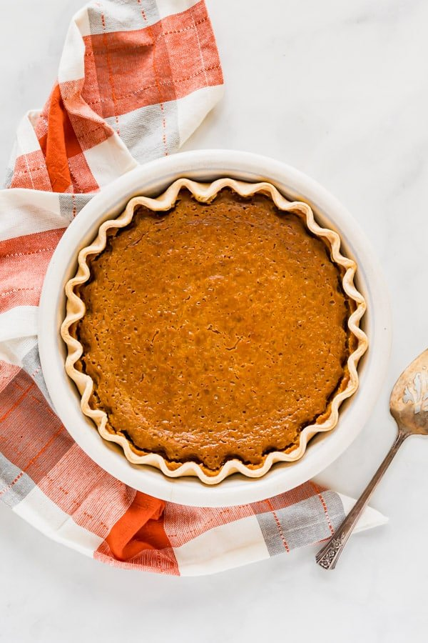 And overhead image of a whole pumpkin pie